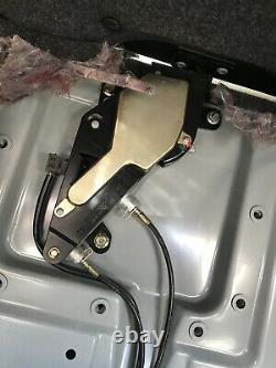 01-03 Mercedes W208 Clk430 Clk320 Convertible Top Cover Fastener Latch Lock 0901