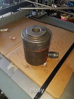 Cylindre Hydraulique De 10,000 Psi Hollow Ram 31,7 Tonnes