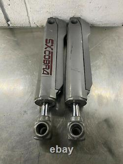 Cylindres À Cylindre Hydraulique Volvo Penta Sx Cobra # 3852392 (pair)